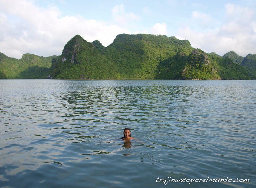 Halong Bay, nadar, baño, islas, actividades, vietnam