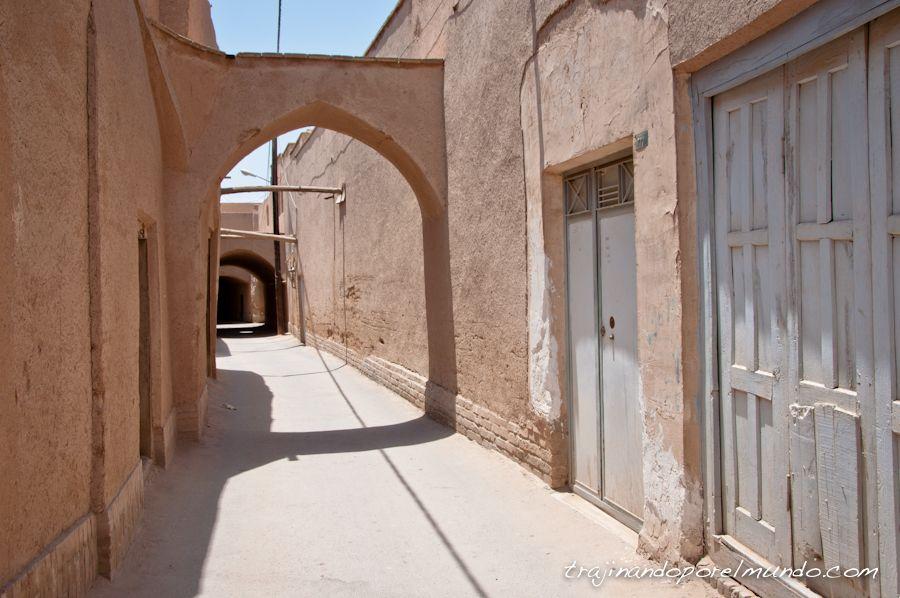 viaje a iran, yazd, callejuelas, casco antiguo, paseo