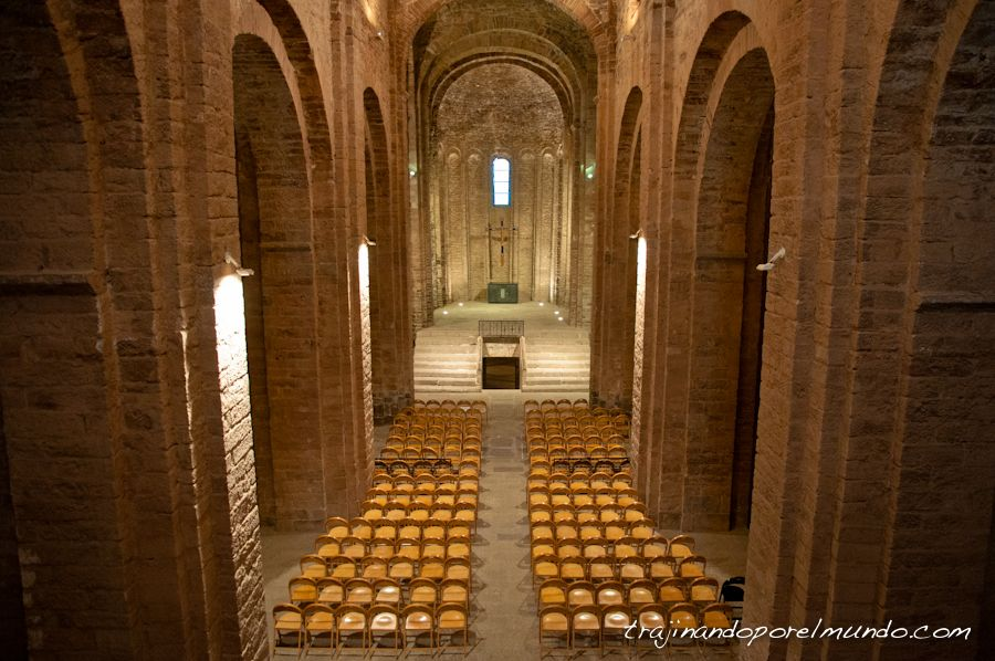 castillo cardona, iglesia, barcelona, escapada rural, romanico
