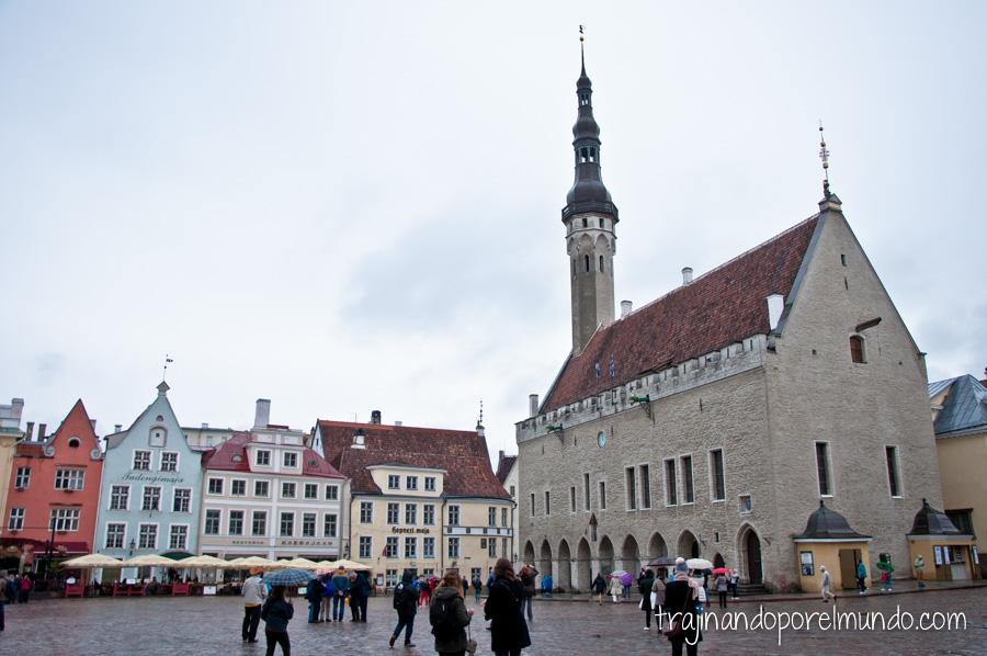 tallin-estonia-plaza-ayuntamiento
