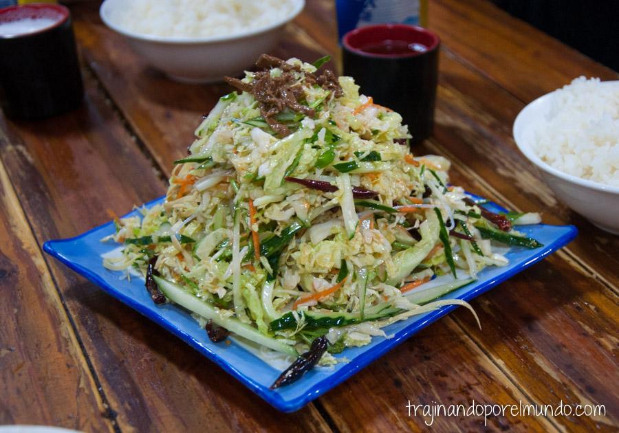Comida china vegetariana: ensalada dongbei