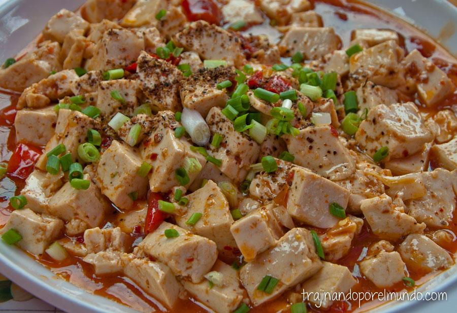 Comida china vegetariana: mapo tofu sin carne