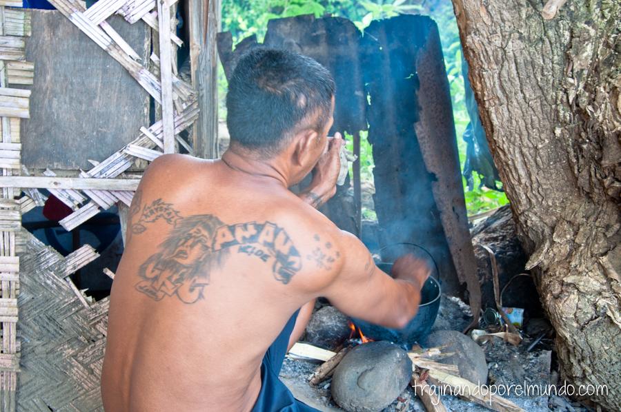 Preso cocinando en la cárcel de Iwahig