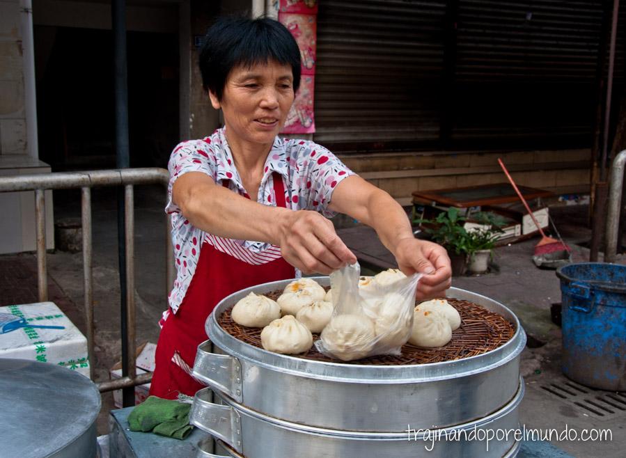 Comida china vegetariana: baozi, desayuno típico