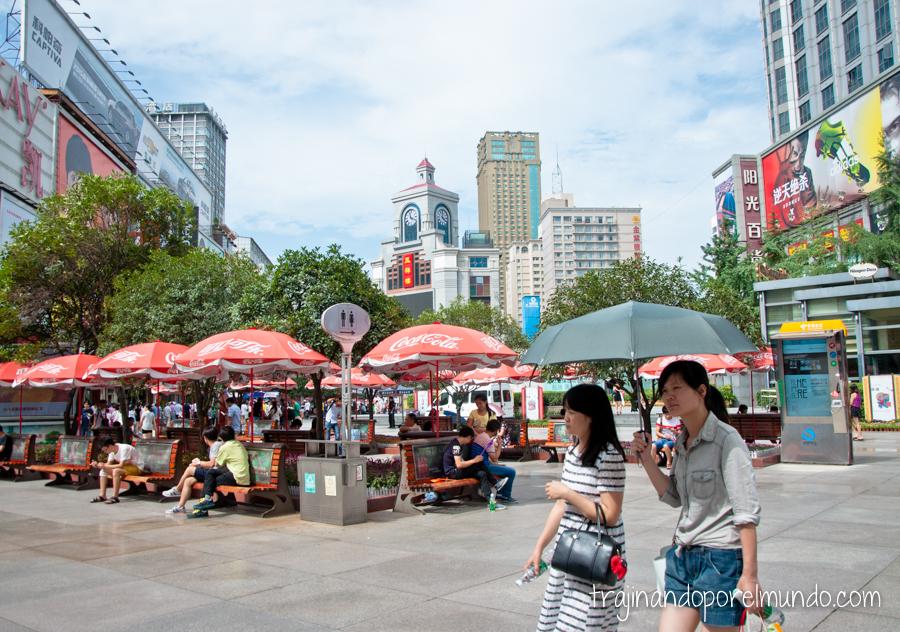 Zona comercial de Chunxilu, en Chengdu, China