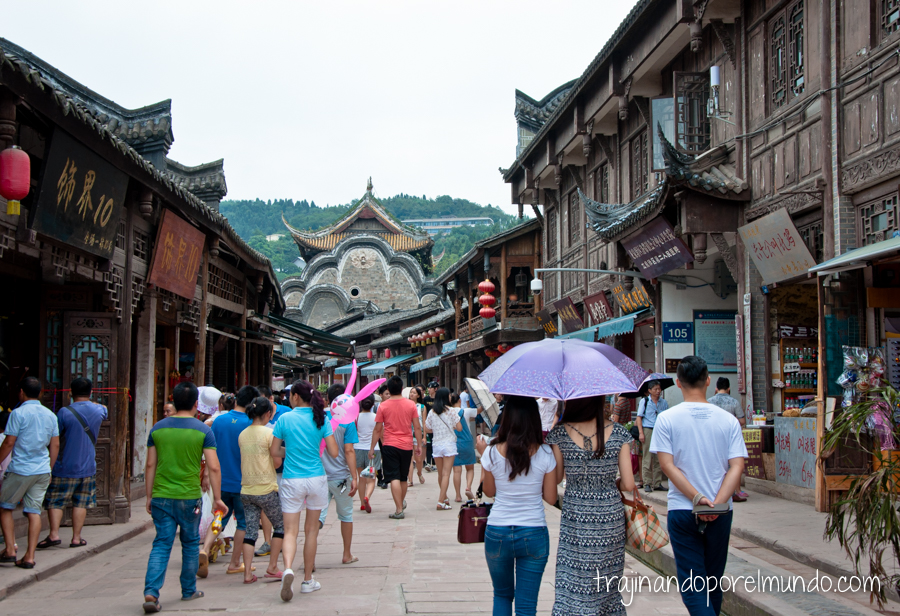 Visita a Luodai, cerca de Chengdu