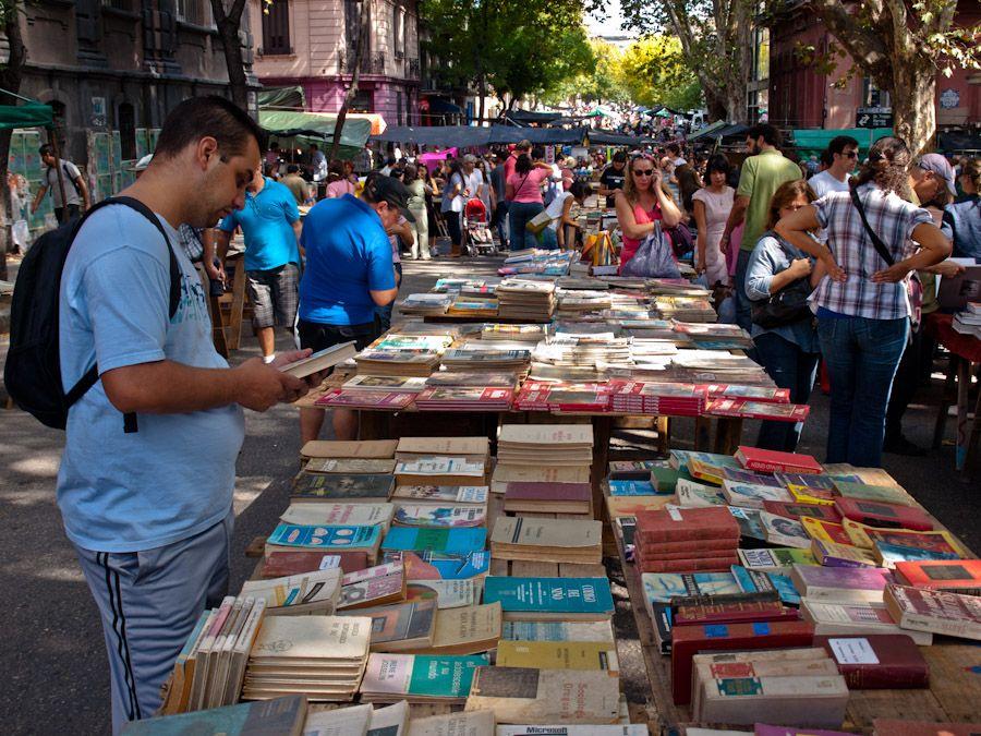 montevideo, mercado de libros, feria, tristan, uruguay, compras, que hacer