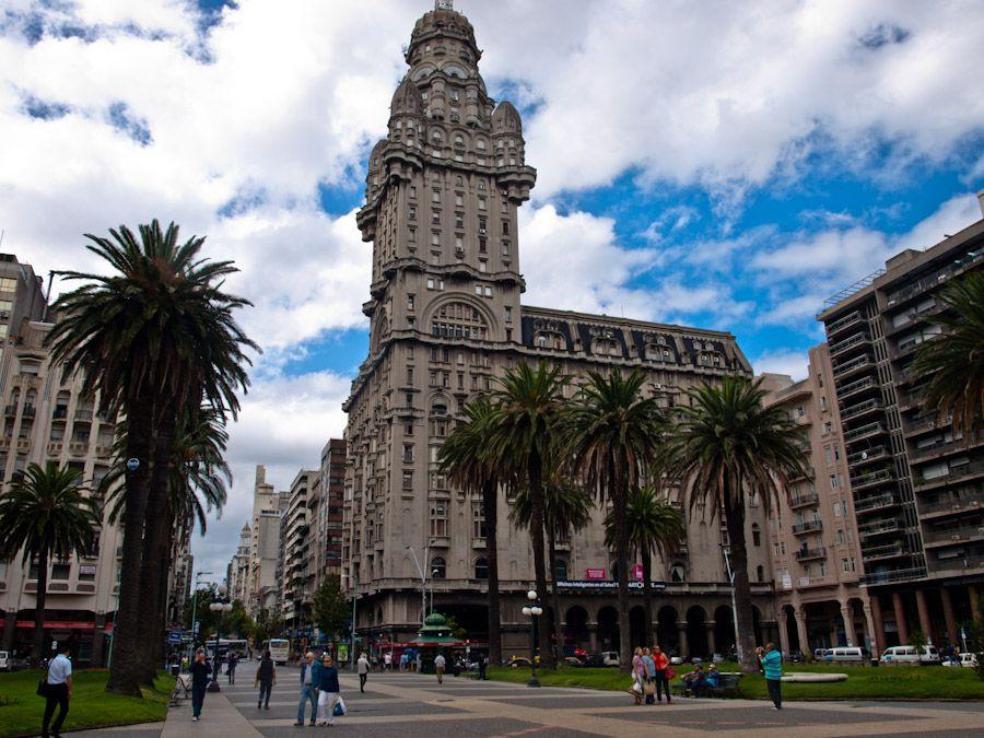 viaje a uruguay, que hacer en montevideo, plaza,